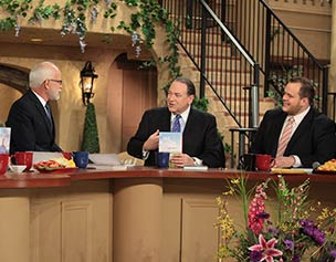 2667-jim-bakker-show-mike-huckabee