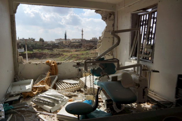 A view shows a damaged clinic after airstrikes by pro-Syrian government forces in the rebel held al-Ghariyah town, in Deraa province, Syria, on February 11, 2016. REUTERS / Alaa Al-Faqir